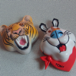 Frosties Tony the Tiger 1995 light up badges